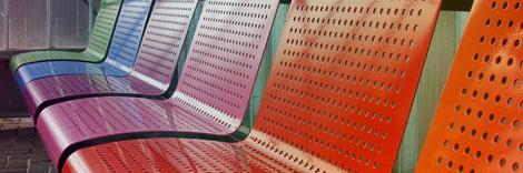 Panchina in metallo trattata con verniciatura rivestimento antiabrasivo